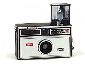 Kodak_Instamatic_100_Blitz_offen-web